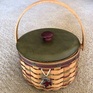 Longaberger Heritage 2005 Caroling Basket Set